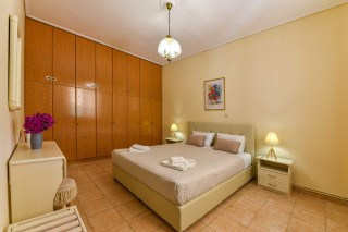 bungalow ionis room