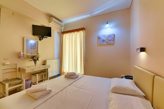 double room ionis hotel amenities