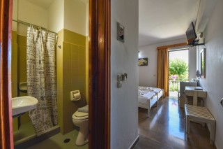 economy double room ionis hotel