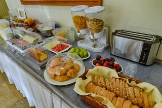facilities ionis hotel breakfast buffet