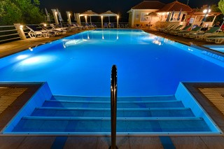 facilities ionis hotel pool amenities
