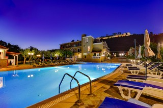 gallery ionis hotel night pool view